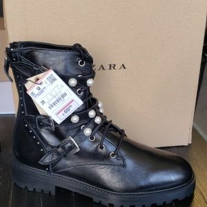 Brand New Ladies Boots with Zipper